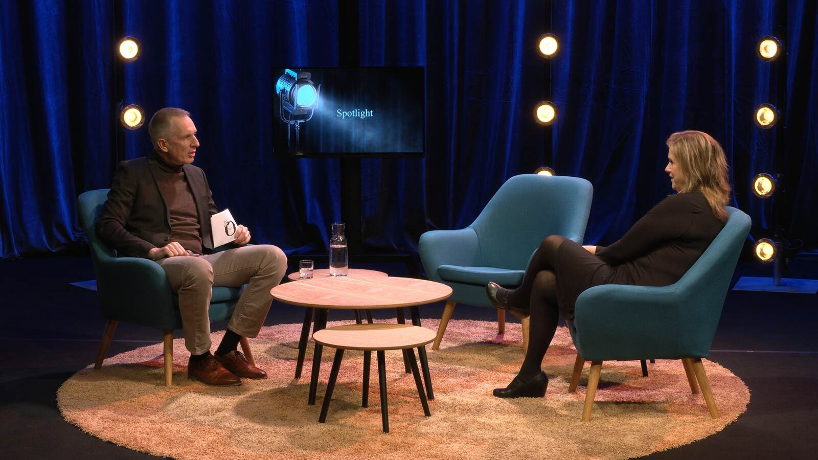 Åke och Carolina pratar