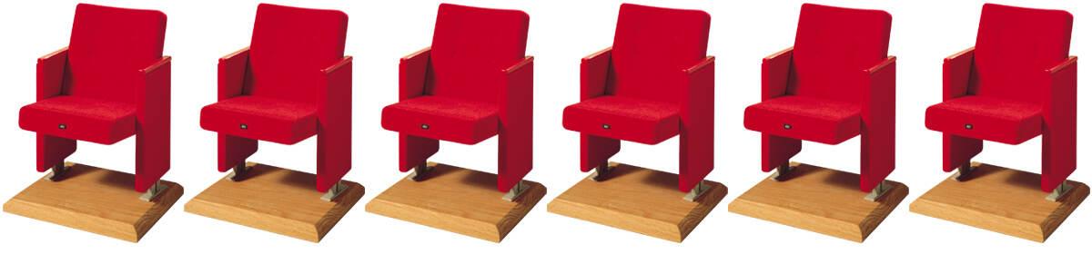 6 röda stolar