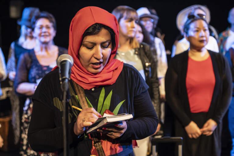 En uppsättning där två internationella körer, en i Göteborg och en i Aten, framförde låtar samtidigt via video streaming